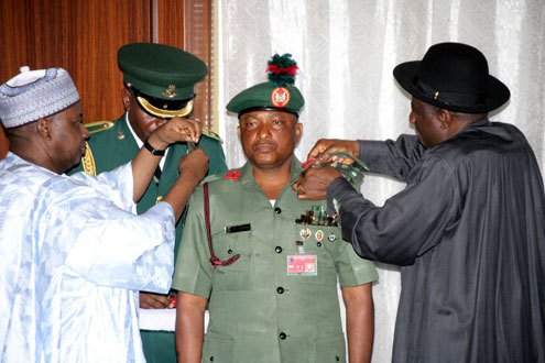 PRESIDENT GOODLUCK JONATHAN (MIDDLE), HIS COUNTERPARTS FROM SENEGAL AND BURKINA FASO, ABDULAHI WADE (RIGHT) AND BLAISE COMPAORE DURING AN EMERGENCY ECOWAS SUMMIT ON COTE D'VOIRE TODAY TUESDAY IN ABUJA.