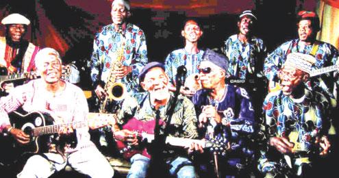 Fatai Rolling Dollar with Faaji Agba Collective