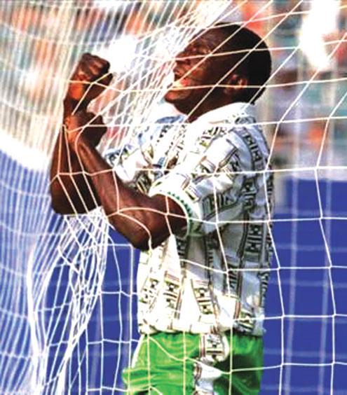 •FLASH BACK...Former Super Eagles striker, Rashidi Yekini, celebrating Nigeria's first World Cup goal at USA '94