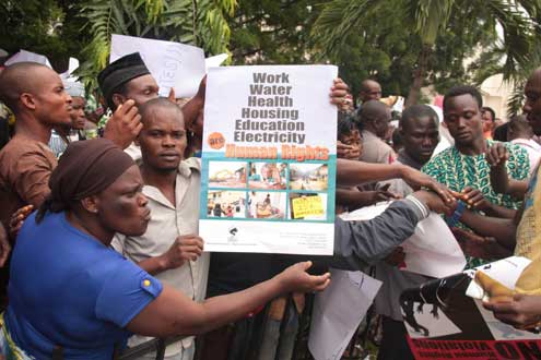 Makoko residents protesting over the demolition of their homes by the Lagos State Government, this morning at Alausa, Ikeja. Photo: Idowu Ogunleye.