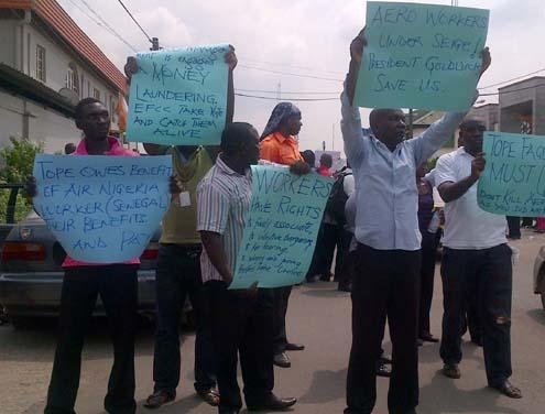 Aero Contractors staff protesting at their company's headquarters on Monday morning. Photo… Simon Ateba