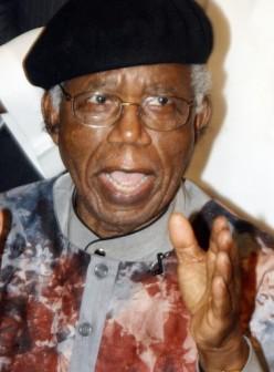 Achebe(1930-2013)