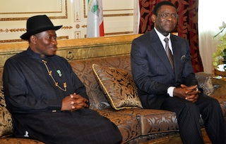 Jonathan in a discussion with President Mbasogo. Photo State House