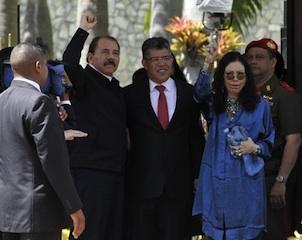 Nicaragua's Daniel Ortega, with Foreign minister of Venezuela
