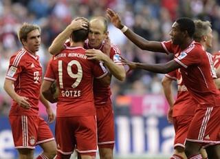 Arjen Robben others celebrate