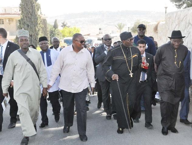 Jonathan maku, Obi and Oritsejafor on Palm Sunday Road