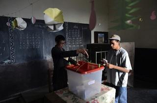 A voter in Antananarivo today