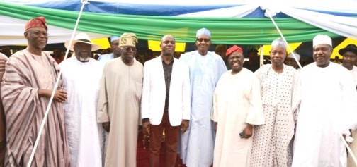 Amaechi in suit(middle), with APC leaders in Port Harcourt