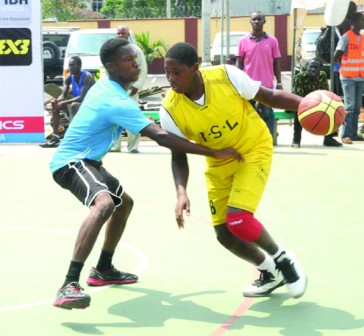 •Basketball action between Victory Basketball Academy and ISL Team Basketball Academy in their first match of the Lagos International Basketball Classics at the Mobolaji Johnson Sports Centre, Rowe Park, Yaba, Lagos, yesterday.
