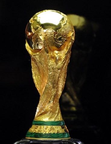 FBL-WC2014-FIFA-TROPHY-TUN