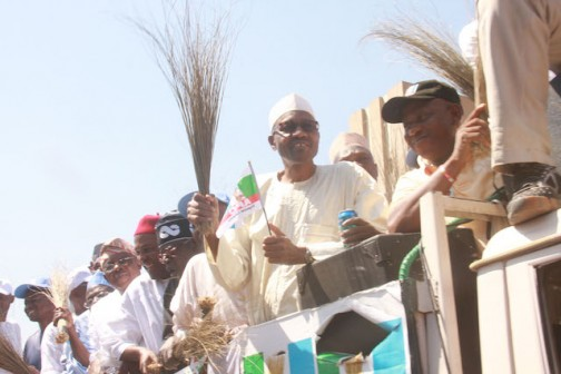 Gen Muhammud Buhari and other APC leaders on the march