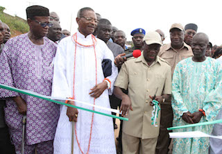 Oshiomhole commissioning roads in Benin