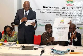 Fayemi at the signing ceremony for the N5b bond