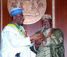President Jonathan receives an awrad from RTEAN