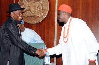 PRESIDENT GOODLUCK JONATHAN (L) IN A HANDSHAKE WTH THE TRADITIONAL RULER OF MGBIRICHI, OHAJI and EGBEMA LGA IMO STATE/NATIONAL CHAIRMAN, TRADITIONAL RULERS OF OIL MINERAL PRODUCING COMMUNITIES OF NIGERIA (TRAMPCOM) HRM EZE RAPHAEL IKEGWURUKA DURING THE VISIT THE GROUP TO THE PRESIDENTIAL VILLA ABUJA ON THURSDAY 15 MAY 2014
