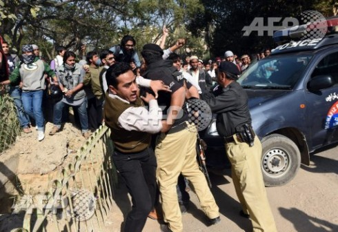 Anti Charlie Hebdo protest: Pakistani police arrest a protester