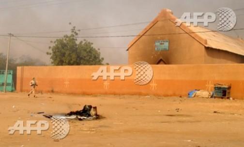 Niamey: Catholic Church torched