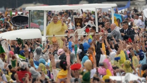 Pope Francis in the 'jeepney' popemobile. AFP Photo