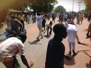 •Sokoto youths sweeping Jonathan and PDP leaders out of Sokoto State on Monday after the PDP presidential rally