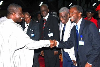 Step Aside: Prof. Yemi Osinbajo, running mate to Muhammadu Buhari (APC) shakes President Goodluck Jonathan who was center of attraction