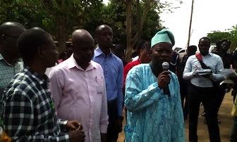 Mr Dickson Atiba, Admin. Secretary, Ogun INEC addressing the protesters this morning. Photo: Abiodun Onafuye, Abeokuta