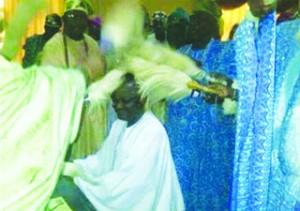 •Normal way of giving royal blessing in Yorubaland