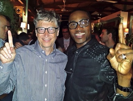 Dbanj also takes a psoe with the world's richest man, Bill Gates