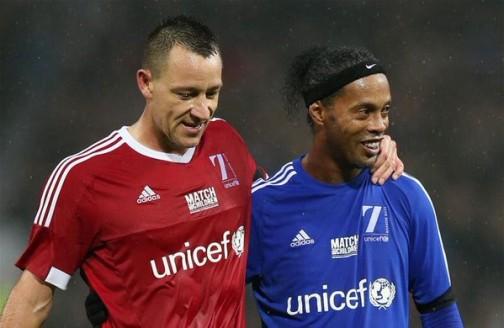 John Terry and Ronaldinho shares a joke