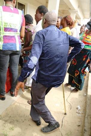 An elderly heading to the voting Centre at Sagbama Ward 6, Photo Credit_ Idowu Ogunleye