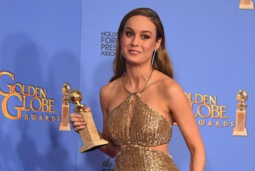 Brie Larson poses with the award for Best Actress in A Motion Picture – Drama, for her role in 'Room,' during the 73nd annual Golden Globe Awards, at the Beverly Hilton Hotel in Beverly Hills, California, on January 10, 2016 (AFP Photo/Frederic J Brown)