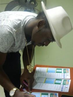 Dammy Krane signing up for Access Bank Lagos Marathon
