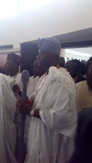 Ooni of Ife after he arrived the palace of Awujale this afternoon. Photo: Abiodun Onafuye