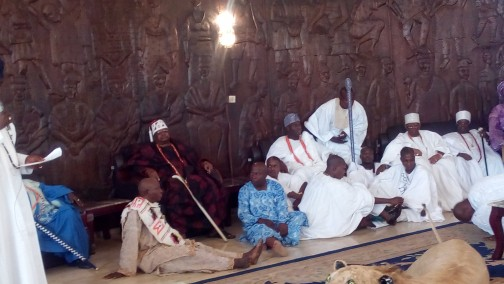 Awujale and Ooni at the Lion room with other personalities.  Photo: Abiodun Onafuye/ Abeokuta