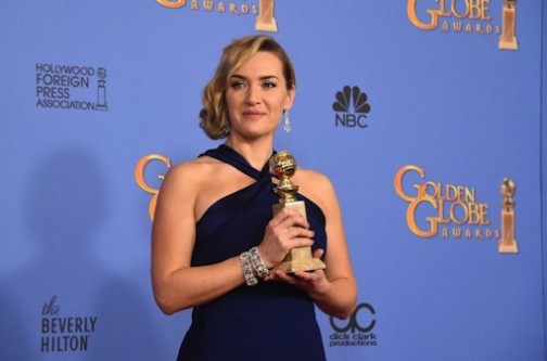 """Kate Winslet poses with the award for Best Supporting Actress for her role in """"Steve Jobs,"""" on January 10, 2016 at the 73nd annual Golden Globe Awards (AFP Photo/Frederic J Brown)"""
