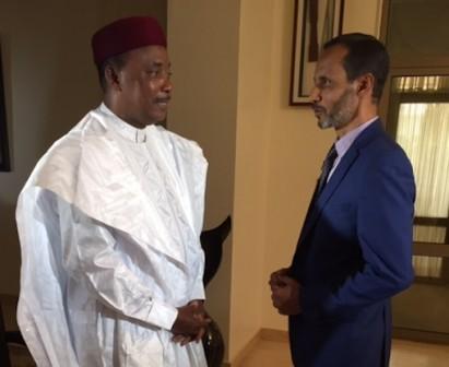 President Mahamadou Issoufou and Al Jazeera's Mohamed Vall