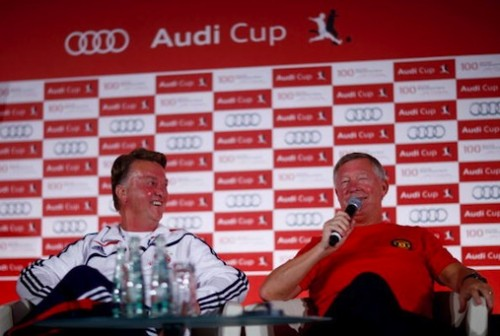 L-R: Louis van Gaal and Sir Alex Ferguson