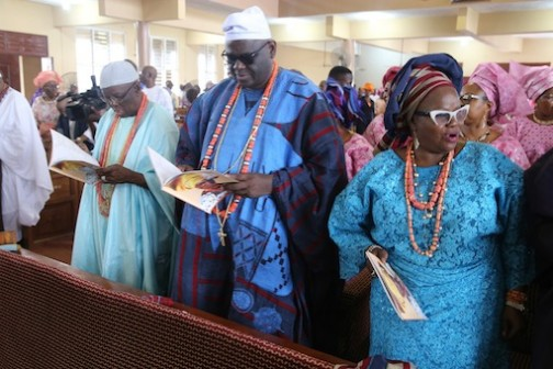 L-R: HRH, Oba Adeniyi Michael Sonariwo, HRH, Oba Adewale Osiberu and his Olori, Olubukola