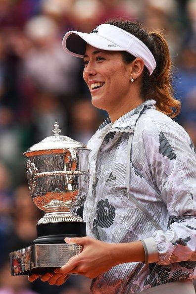 Garbine Muguruza with her trophy