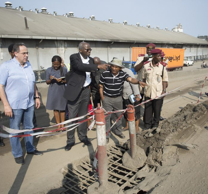 FILE PHOTO: A section of the Apapa Bridge being inspected by Babatunde Fashola