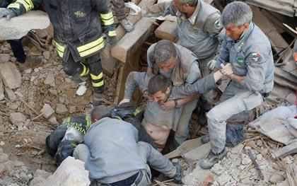 italy-earthquake-rescue-amatrice