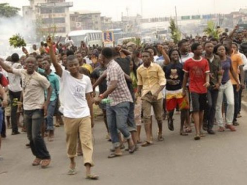 Electricity-consumers-protest-poor-power-supply1