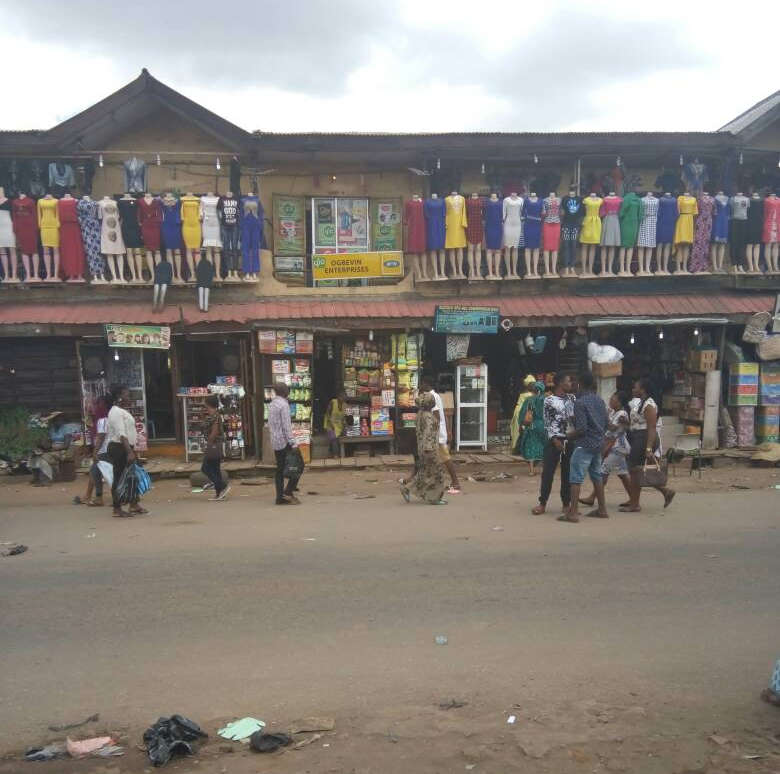 iyana ipaja market
