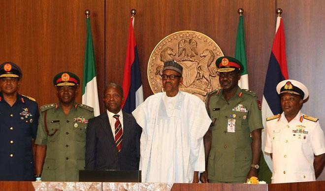 2017_8$large_buhari_with_service_chiefs