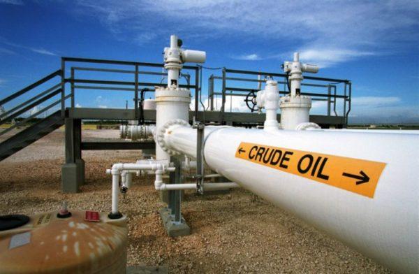 crude-oil-pipe1 An Oil Pipeline: