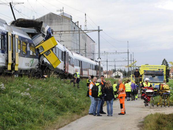 switzerland-train-crash-5
