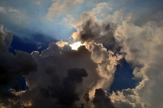 sky-1122414_640