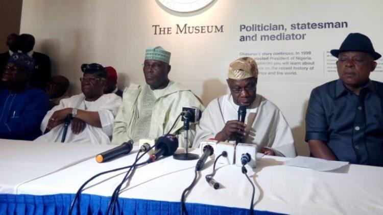 Chief-Olusegun-Obasanjo-addressing-a-world-press-conference-on-his-endorsement-of-PDP-Presidential-Candidate-Atiku-Abubakar-e1539275157217