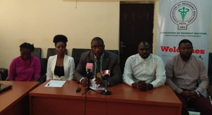 Members-of-the-Association-of-Resident-Doctors-during-the-Media-Briefing-e1559634286172