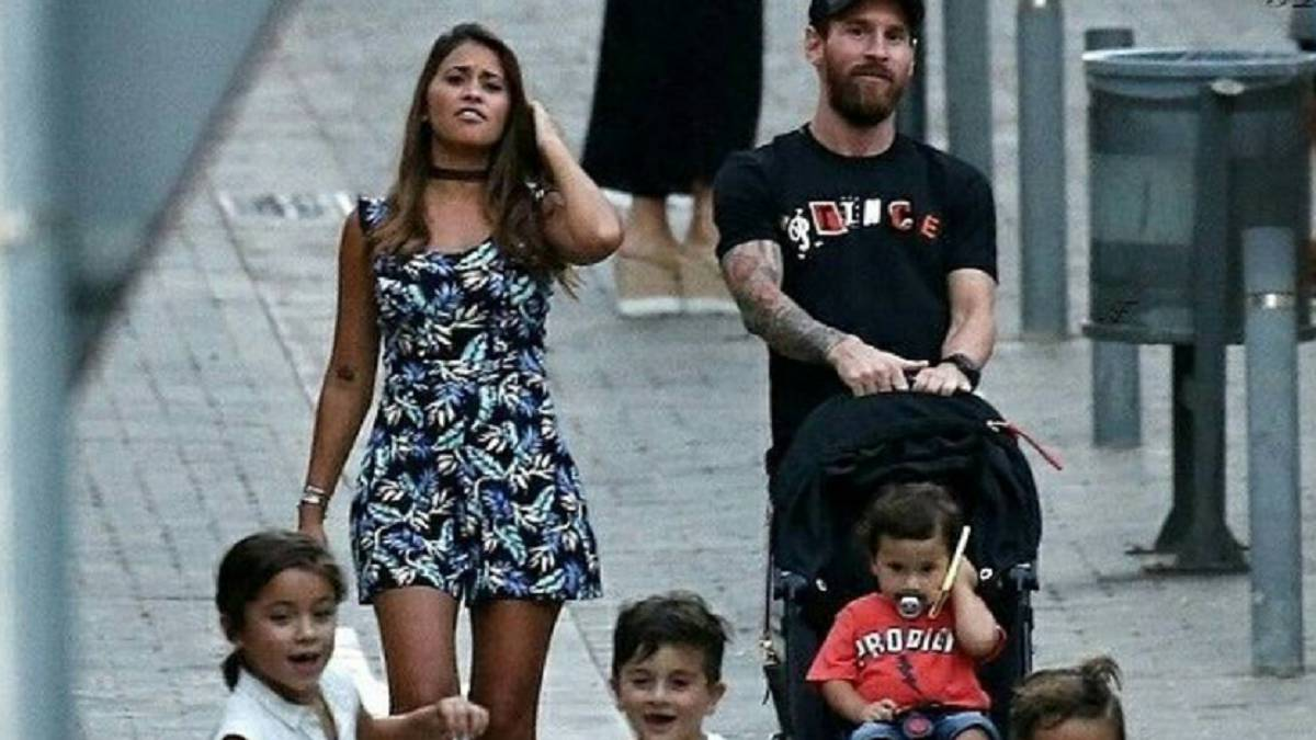 Messi Family 2