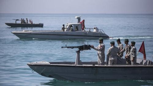Iranian-boats-harass-British-Tanker
